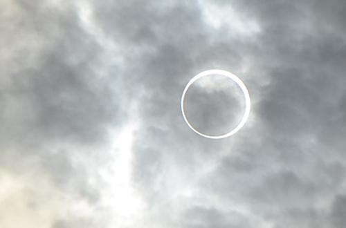 2012年5月21日午前7時50分頃、金環日食@東京
